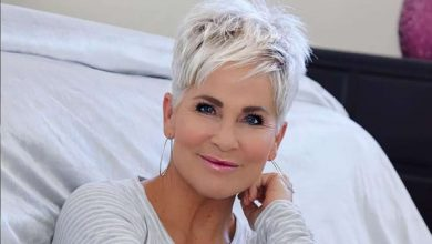 Photo of Classy and Simple Short Layered Hair Style for Women Over 50